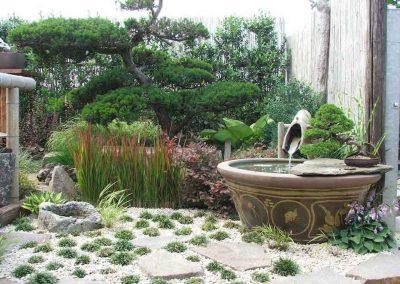 giardino-orientale-con-acqua