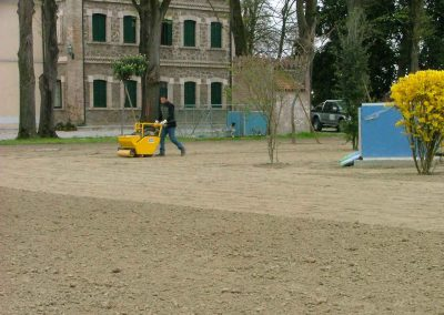 lavorazione-terreno-per-tappeto-erboso