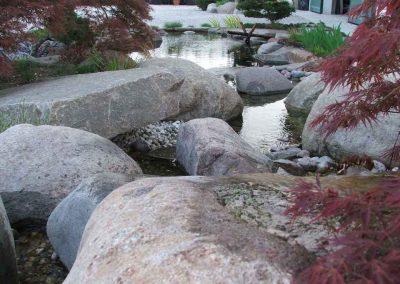 pietre-su-laghetto